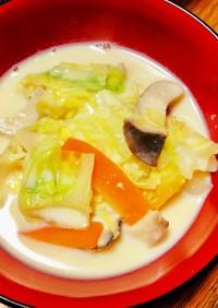 【簡単】キャベツとキノコの豆乳味噌スープ