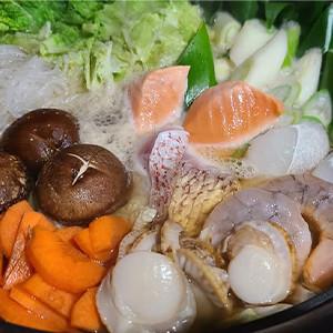 魚介の旨味がたっぷり!だしまで飲む海鮮鍋