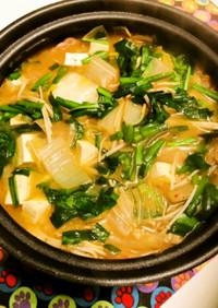 ニラ白菜豚肉えのきみそキムチ鍋で〆は二回