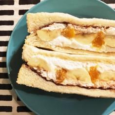 みかんとバナナのフルーツサンド