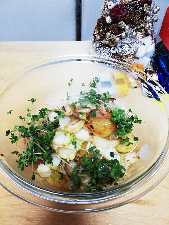 ポテト白菜ハムの炒めものブロッコリーの芽