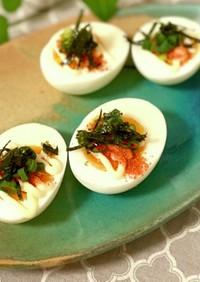 簡単☆ゆで卵にあかりマヨ海苔のせ
