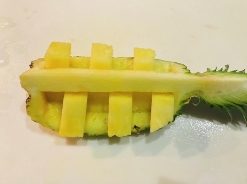 パイナップルのカット・飾り切り