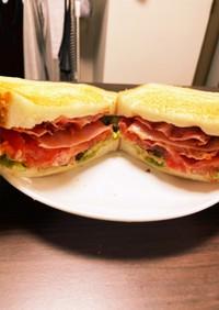調理時間15分で簡単!BLTサンドイッチ