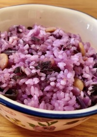 紫キャベツ炊き込みご飯(洋風)