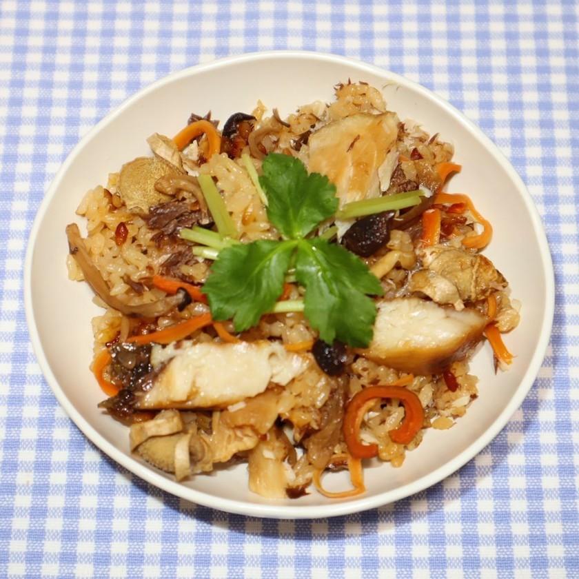 絶品☆ブリの干物でブリ大根の炊き込みご飯