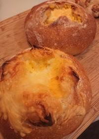 チェダーチーズブールとコーンパン