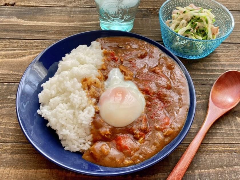 材料2つ!レンジde鯖缶とトマトのカレー
