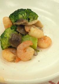 ブロッコリーとエビの炒め物★神戸学校給食