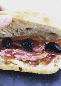 バゲットと黒にんにくで絶品サンドイッチ
