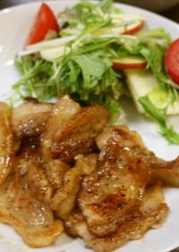 豚バラ黒酢炒め+リンゴのサラダ