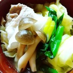 塩ぽん酢で簡単さっぱりレモン鍋風
