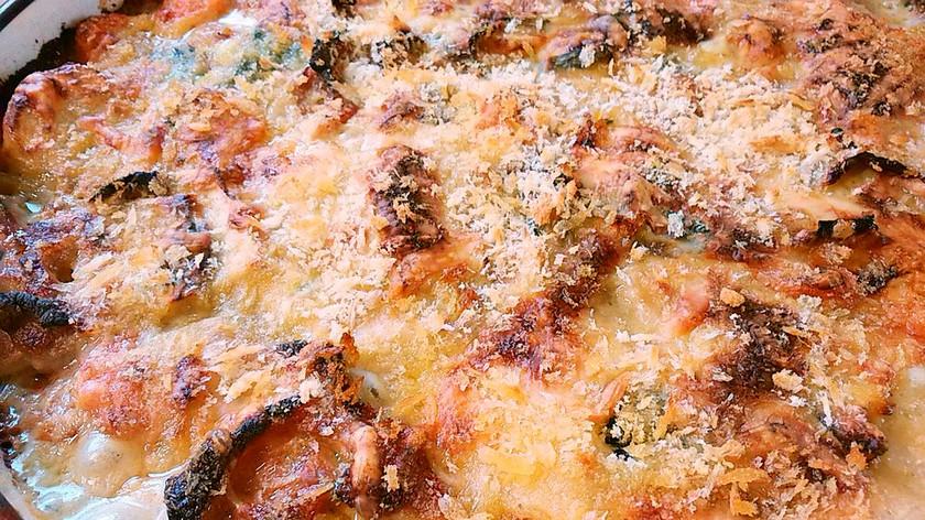 お餅とシチューで作るグラタン