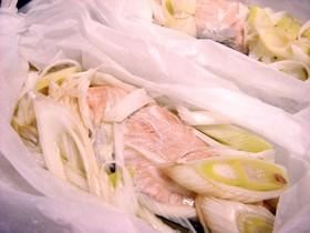 レンジで簡単♪鮭のレモンバター醤油蒸し