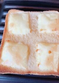 はちみつ&とけるチーズトースト