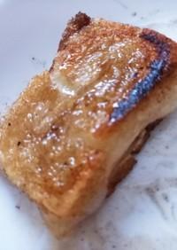 餅にバターとメープルシロップかけたやつ