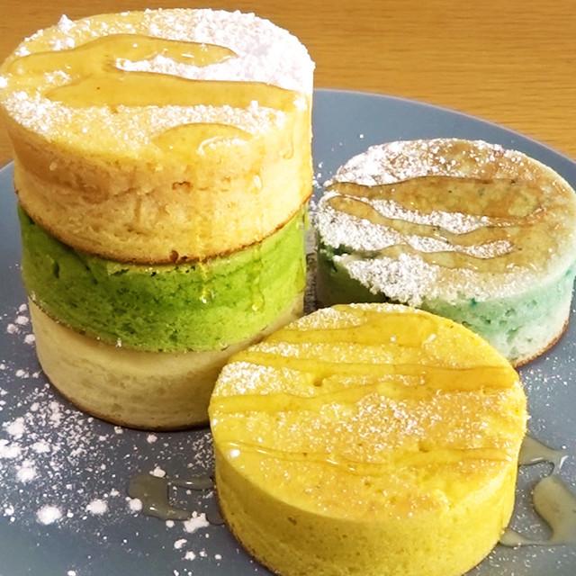 野菜パウダーのカラフル米粉パンケーキ