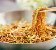 カット野菜とソースで簡単焼そばの写真