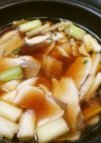 薄切りブリとネギと野菜の鍋