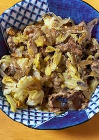 鯖水煮とキャベツ玉ねぎのはちみつ味噌炒め