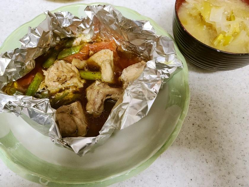 ✨鶏肉と野菜のホイル焼き&ネギの味噌汁✨
