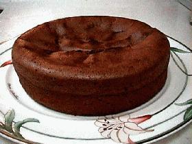 淡雪のような口どけのチョコレートケーキ