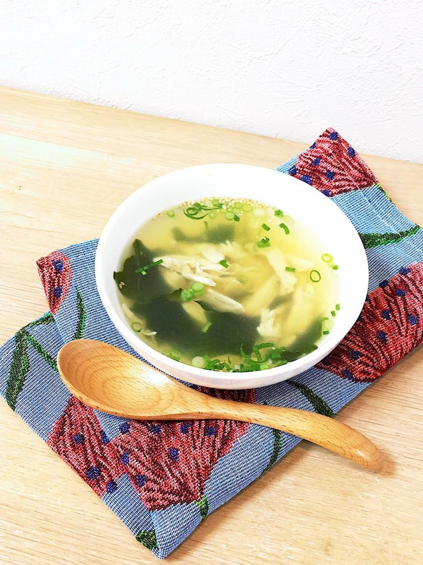 即席サラダチキンの柚子胡椒コンソメスープ