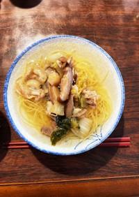 甘辛豚こま葉野菜の白だし煮麺