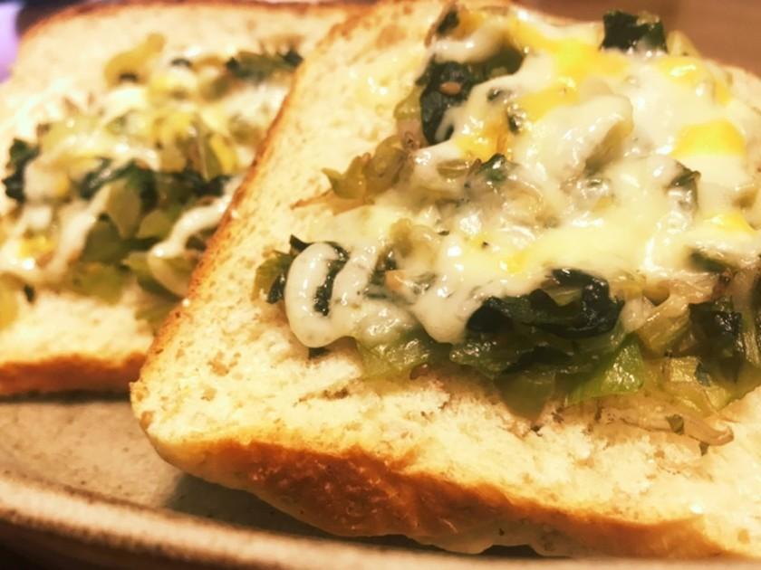 生高菜のジャコ炒めで美味しいトースト♪