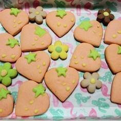 イチゴとお花のクッキー
