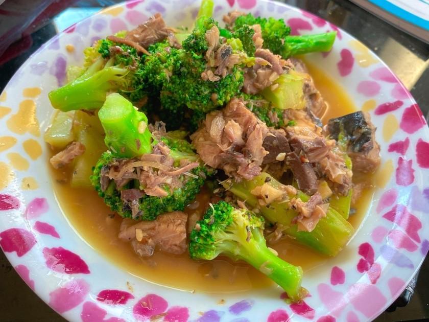 ダイエット食✩ブロッコリーと鯖缶炒め