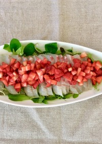 白身魚といちごの春色カルパッチョ
