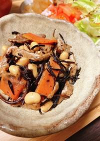 舞茸と大豆が主役♫具沢山なひじき煮