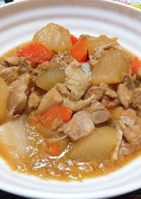 大根と鶏肉と人参とこんにゃくのツナ煮物