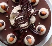 デコレーションケーキ*チョコレートケーキの写真