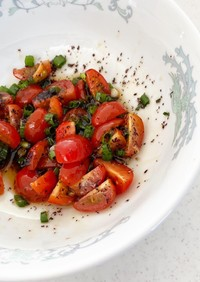 焼き魚に、和風トマトソース。