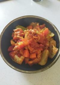 鶏とキャベツのトマト缶煮込み