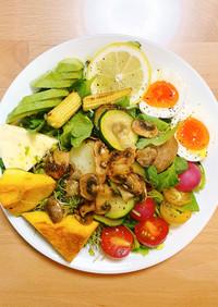簡単おしゃれ!カフェ風旬野菜グリルサラダ
