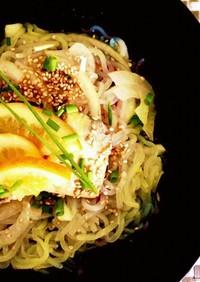 鯖缶と塩レモンの冷やし中華風 白滝サラダ