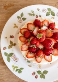 焼かずに簡単♪苺のレアチーズケーキ