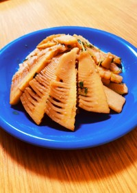 豆苗と筍のピリ辛炒め