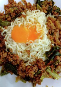サッポロ一番大豆ミート担々麺
