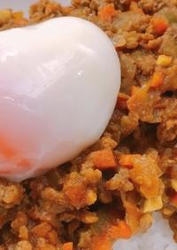 温泉卵と相性抜群のキーマカレー
