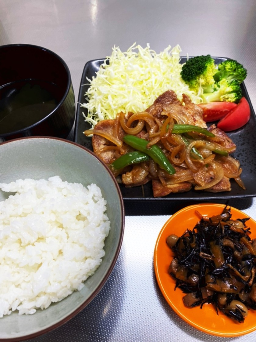 【糖質制限食】たっぷり野菜と豚の生姜焼き