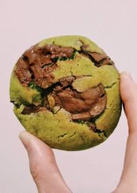 抹茶のチョコチャンククッキー