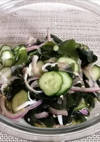 きゅうりとわかめの海藻サラダ