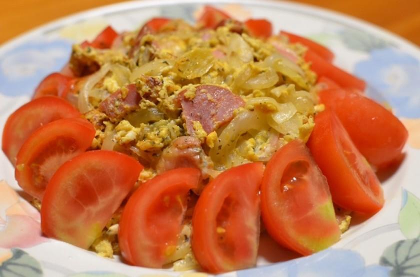 簡単♡新玉葱とベーコン&ニンニクの卵炒め