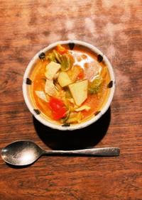 キャベツと純輝鶏のトマトシャンタンスープ