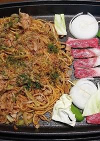鉄板で焼き肉&焼きそば(∂∀∂)