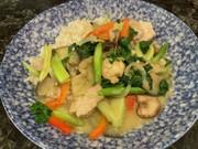 野菜たっぷりタイ風辛くないグリーンカレーの写真